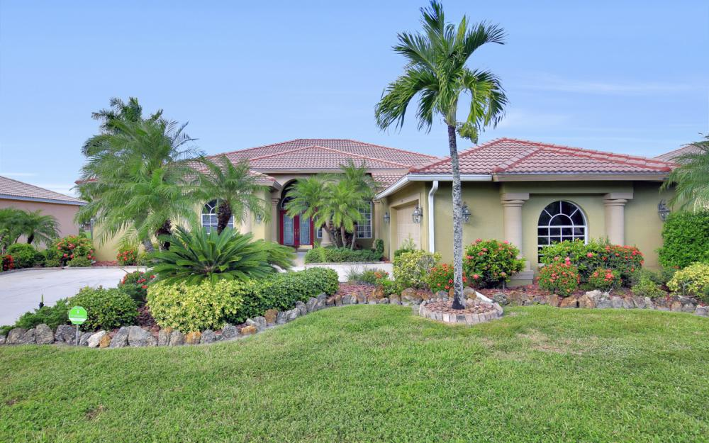7997 Tiger Palm Way, Fort Myers - Home For Sale 1723840543