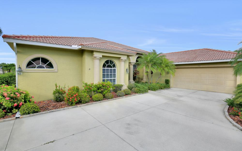 7997 Tiger Palm Way, Fort Myers - Home For Sale 628990805