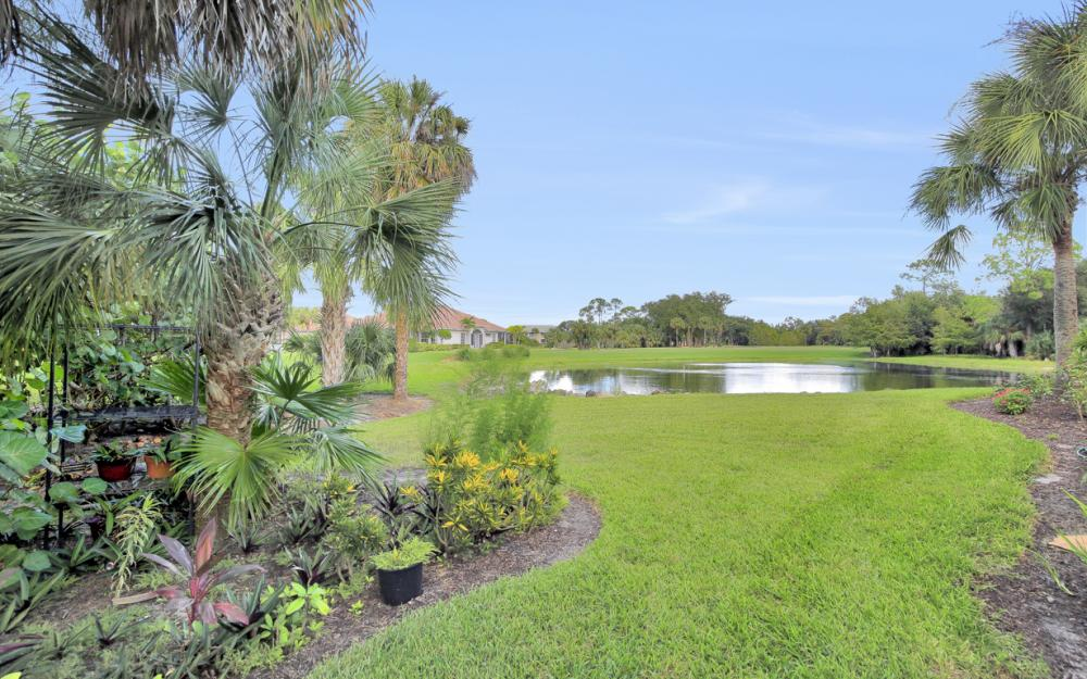 12671 Fox Ridge Dr, Bonita Springs - Home For Sale 1934622459