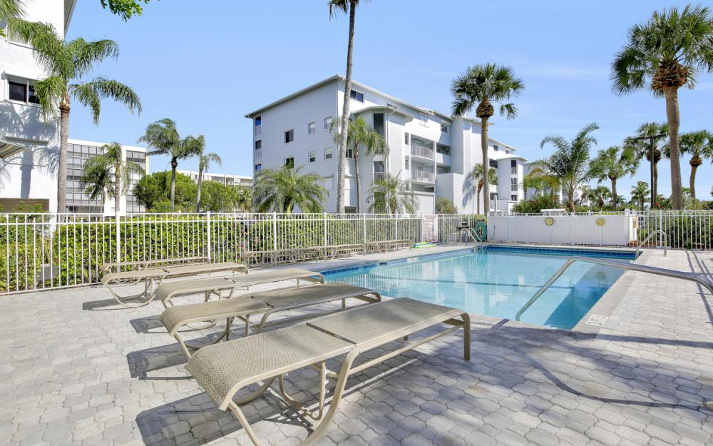 4531 Bay Beach Ln #333, Fort Myers Beach - Condo For Sale 390479220