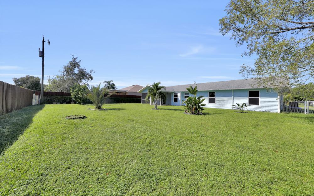 222 SW 34th Ter, Cape Coral - Home For Sale 1220011083