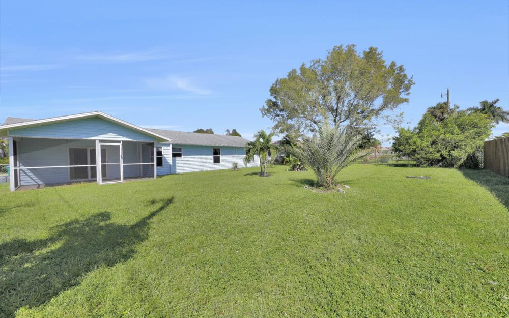 222 SW 34th Ter, Cape Coral - Home For Sale 702344512