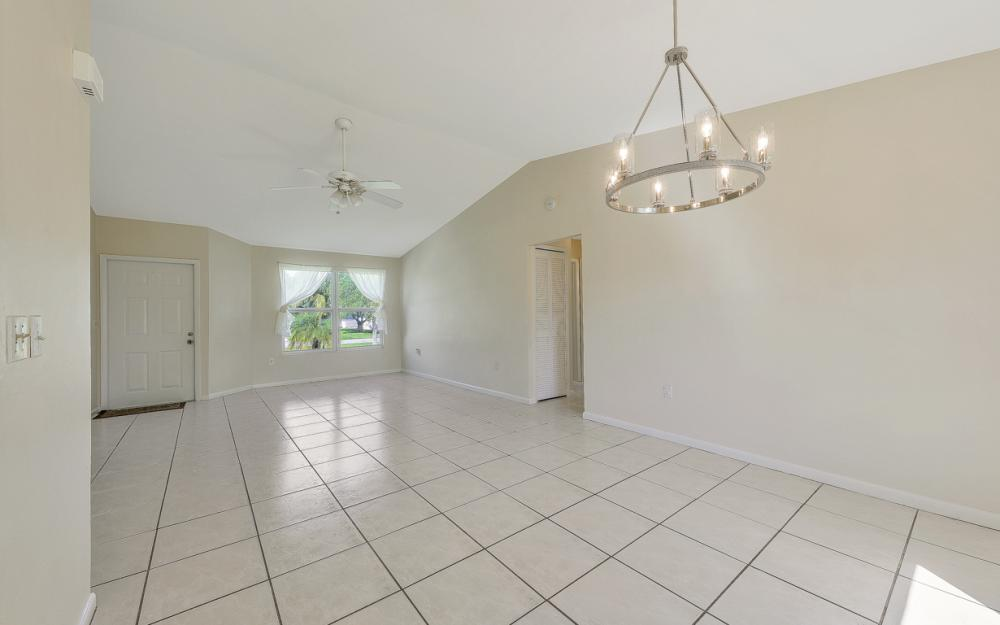 222 SW 34th Ter, Cape Coral - Home For Sale 1695749271