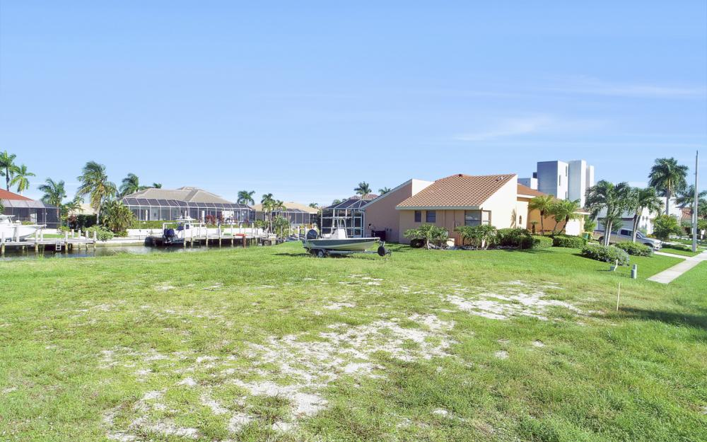 712 Plantation Ct, Marco Island - Lot For Sale 1129128328