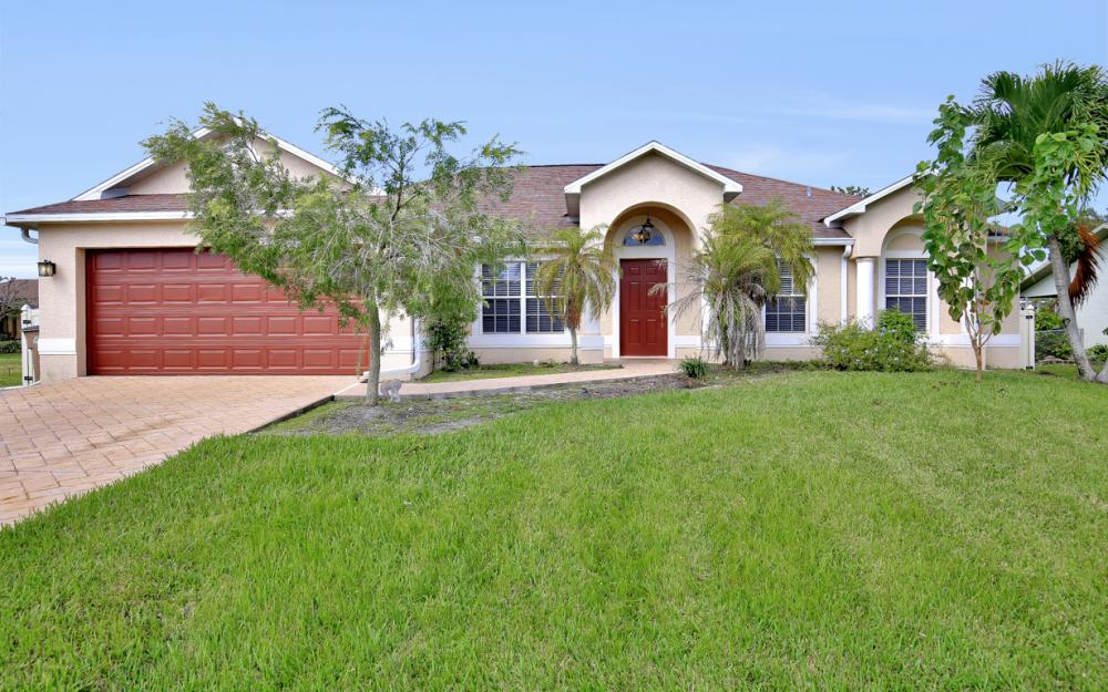 2213 SW 44th St, Cape Coral - Home For Sale 2062998351