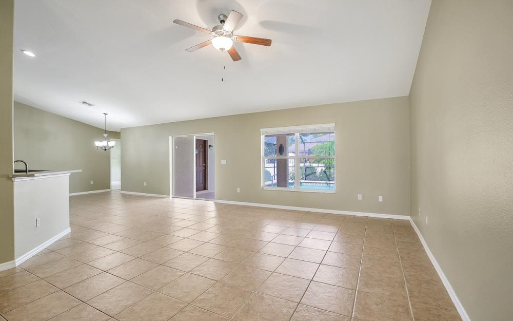 2213 SW 44th St, Cape Coral - Home For Sale 875182533