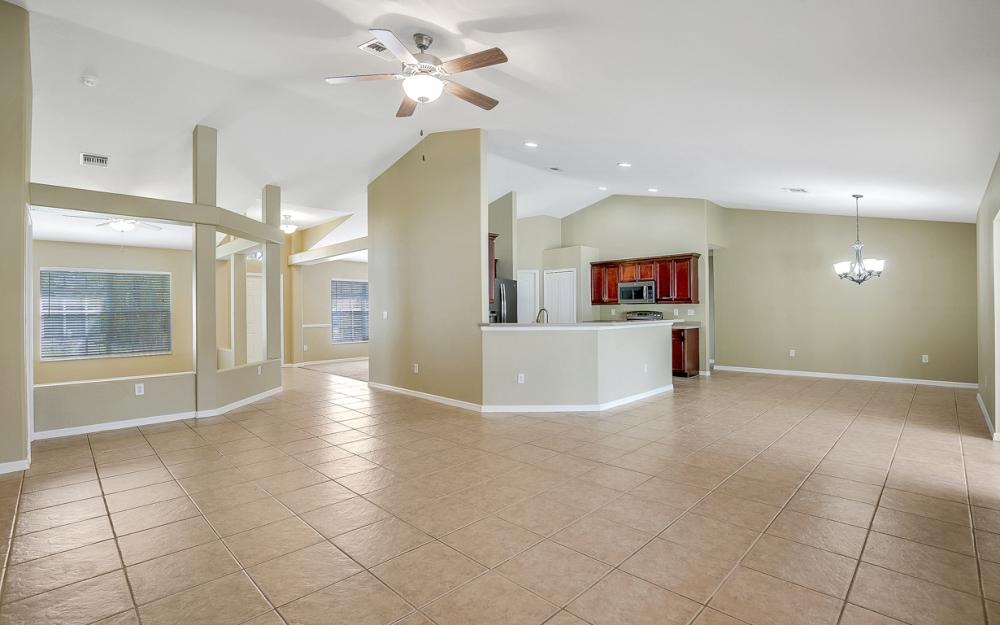 2213 SW 44th St, Cape Coral - Home For Sale 43234727