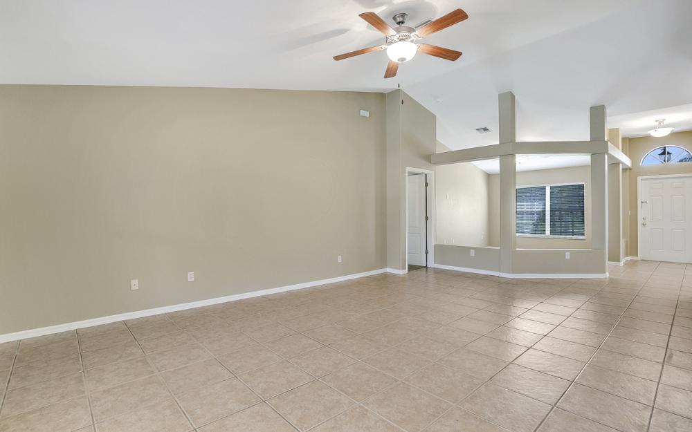 2213 SW 44th St, Cape Coral - Home For Sale 2135331937