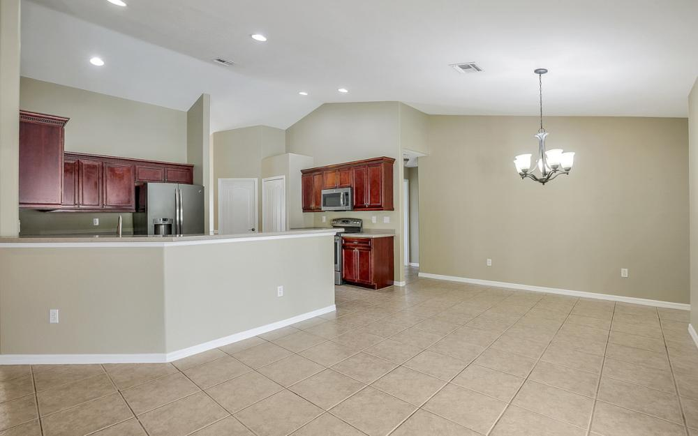 2213 SW 44th St, Cape Coral - Home For Sale 287662741