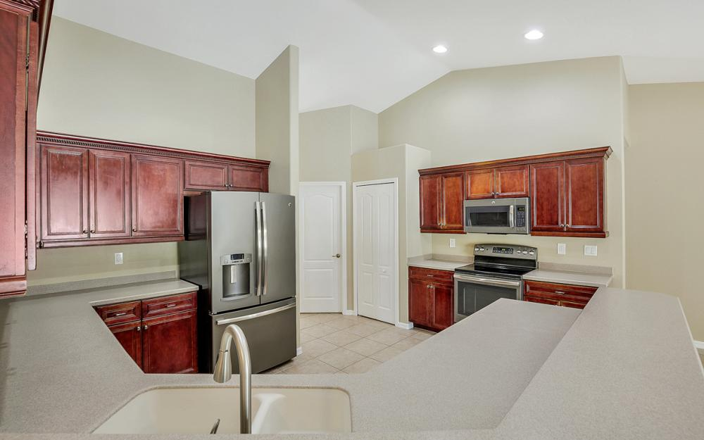 2213 SW 44th St, Cape Coral - Home For Sale 1002705359
