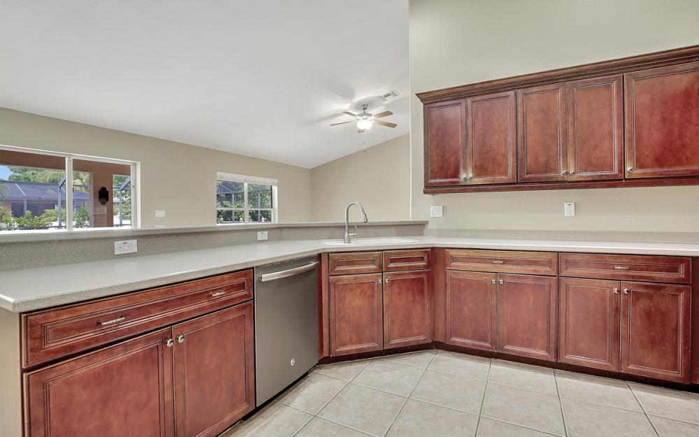 2213 SW 44th St, Cape Coral - Home For Sale 466814536