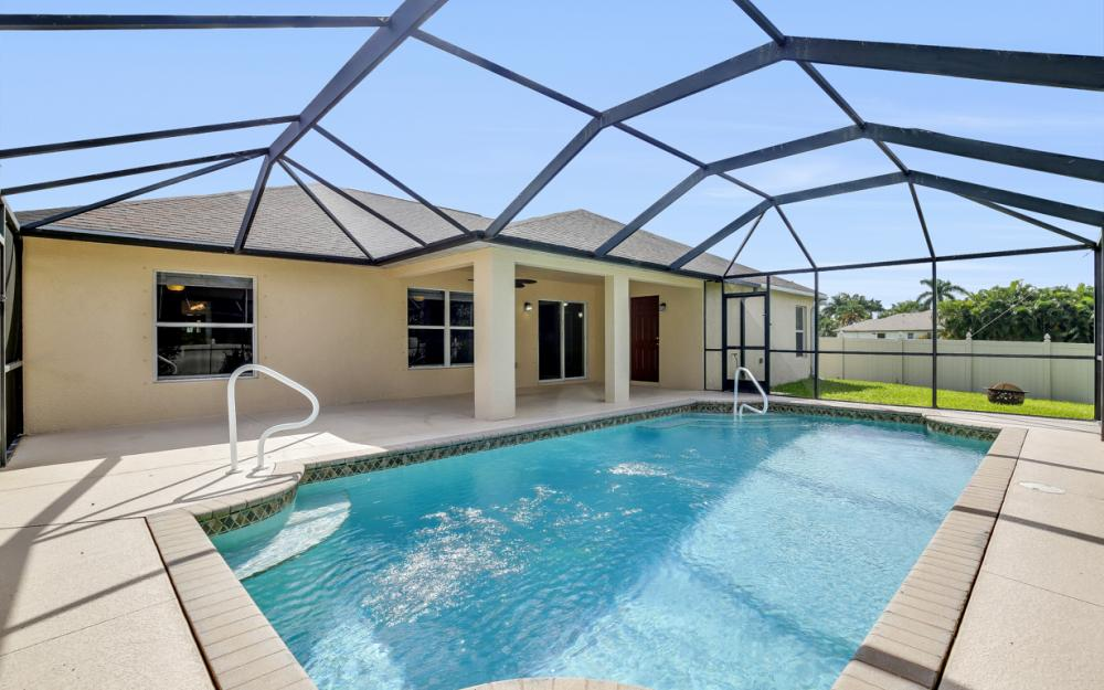 2213 SW 44th St, Cape Coral - Home For Sale 2115417573