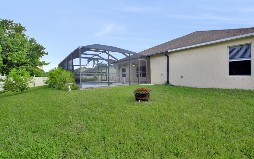 2213 SW 44th St, Cape Coral - Home For Sale 828313016