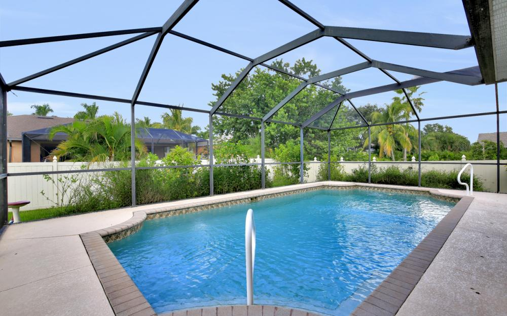 2213 SW 44th St, Cape Coral - Home For Sale 501255183