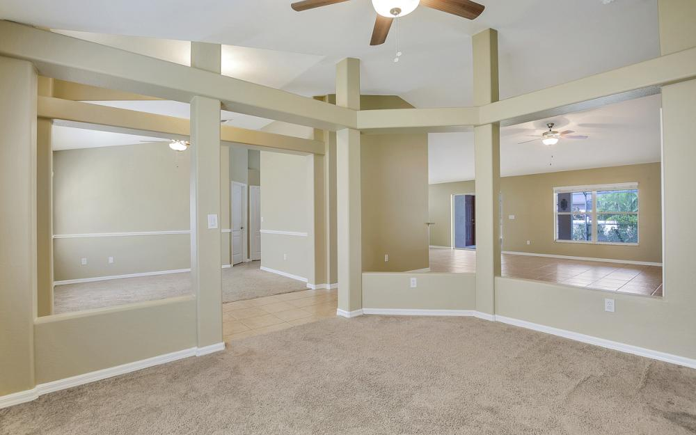 2213 SW 44th St, Cape Coral - Home For Sale 83242942