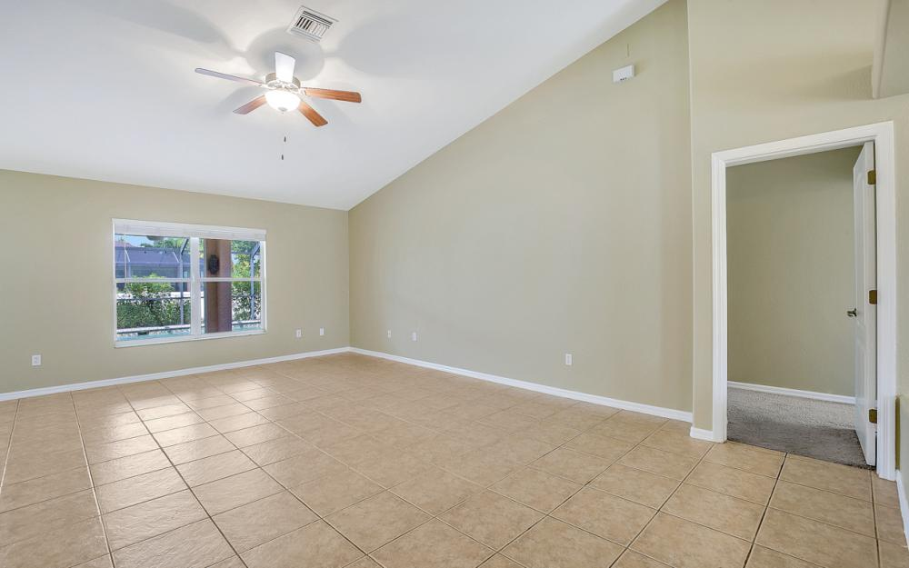 2213 SW 44th St, Cape Coral - Home For Sale 163035341