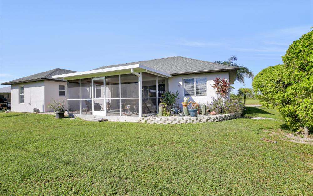 1025 NE 6th Ave, Cape Coral - Home For Sale 433855847