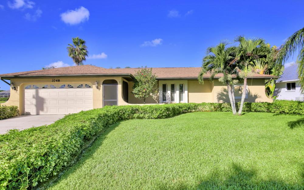 3748 SW 1st Pl, Cape Coral - Home For Sale 2078388988