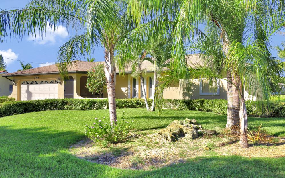 3748 SW 1st Pl, Cape Coral - Home For Sale 798749395