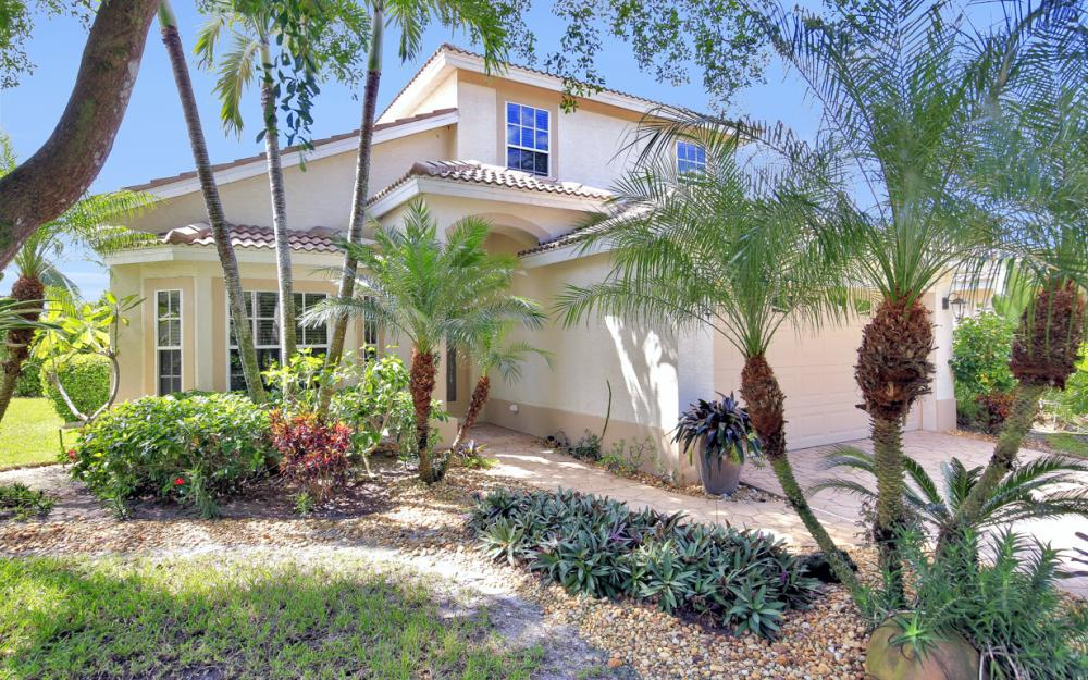 25949 Pebblecreek Dr, Bonita Springs - Home For Sale 942339314