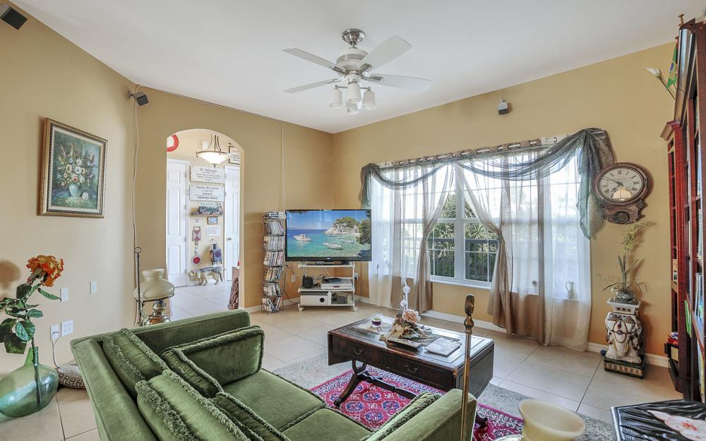 606 NW 3rd Ave, Cape Coral - Home For Sale 96742714