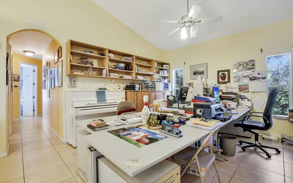 606 NW 3rd Ave, Cape Coral - Home For Sale 532207690