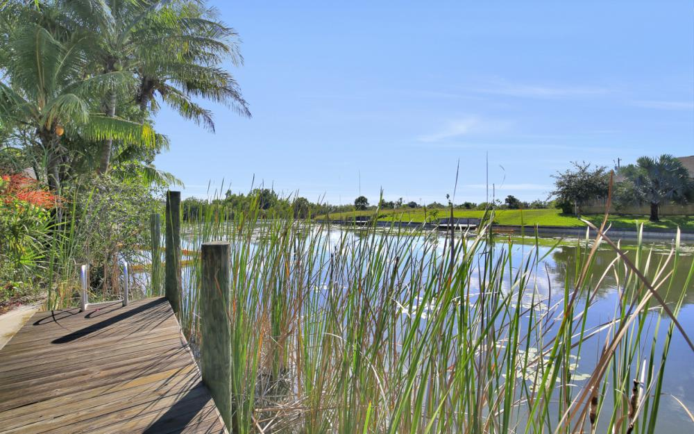 606 NW 3rd Ave, Cape Coral - Home For Sale 840373320