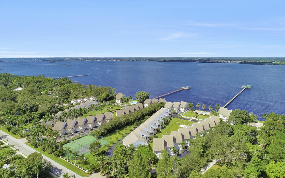 3671 Edgewood Ave, Fort Myers - Condo For Sale 603876910