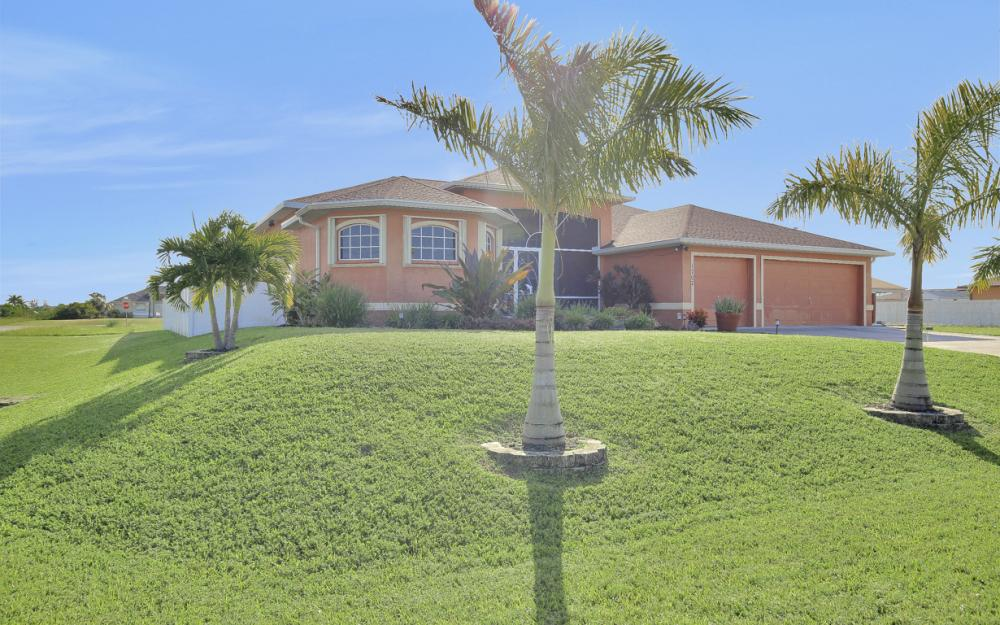 1707 NW 37th Ave, Cape Coral - Home For Sale 1257220555