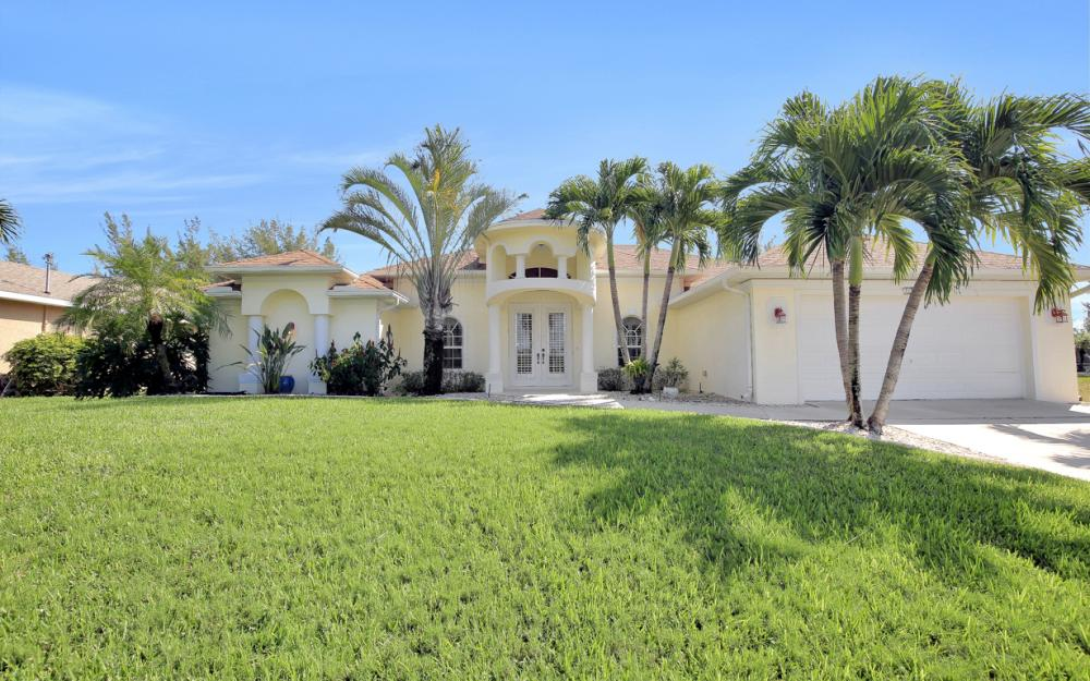 2313 SW 21st Ave, Cape Coral - Home For Sale 209713395
