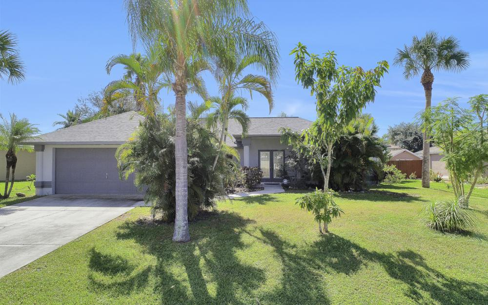 842 SW 47th St, Cape Coral - Home For Sale 1817005484