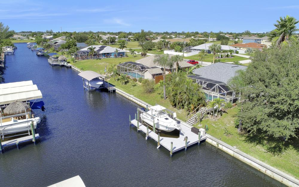 842 SW 47th St, Cape Coral - Home For Sale 70979753