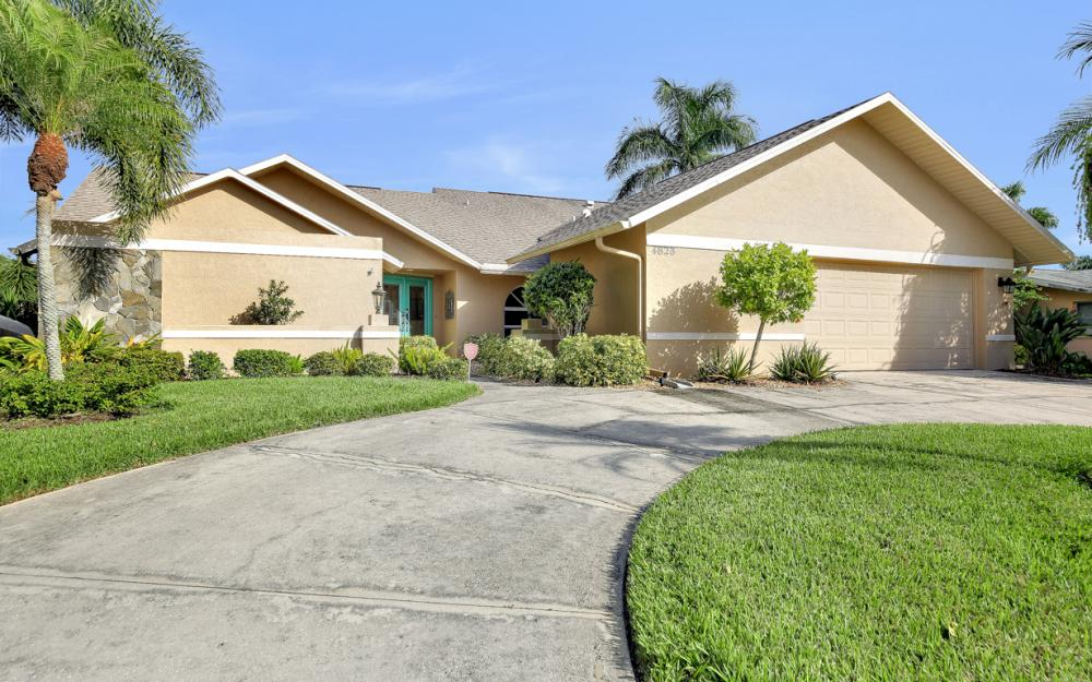 4823 SW 3rd Ave, Cape Coral - Home For Sale 1721909147