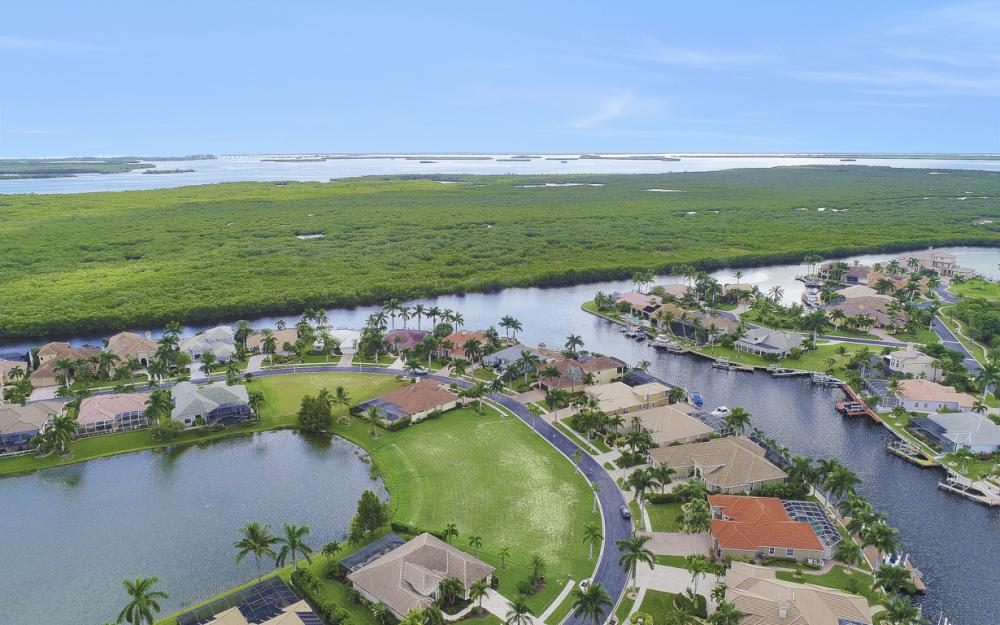 1922 Harbour Cir, Cape Coral - Lot For Sale 1439678231