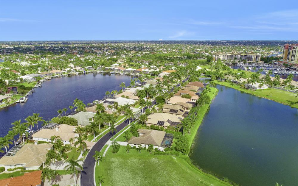 1922 Harbour Cir, Cape Coral - Lot For Sale 115253155