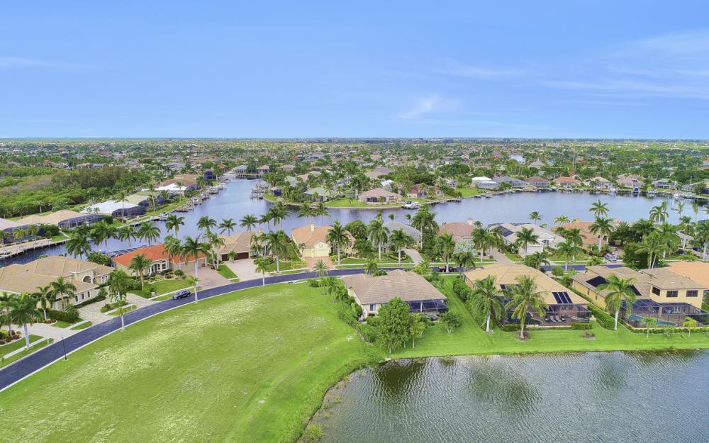 1922 Harbour Cir, Cape Coral - Lot For Sale 1003855910