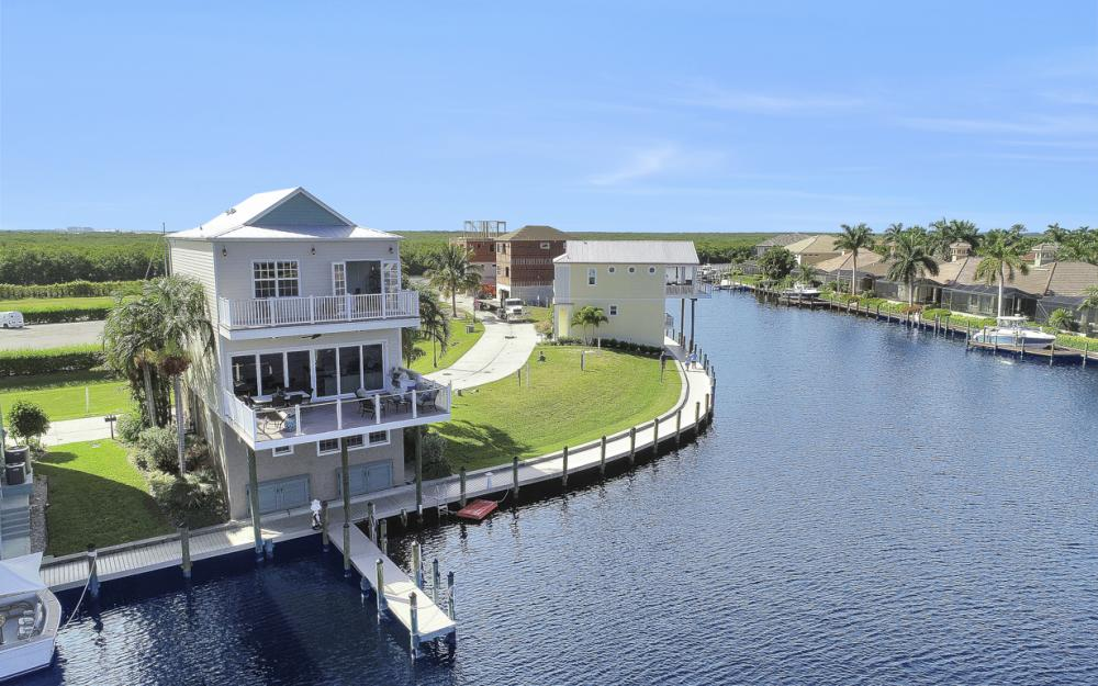 5886 Shell Cove Dr, Cape Coral - Home For Sale 2093991617