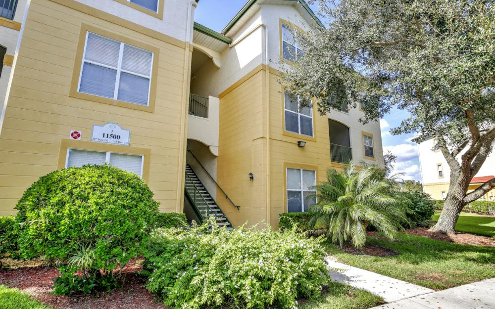 11500 Villa Grand #310, Fort Myers - Condo For Sale 387117955