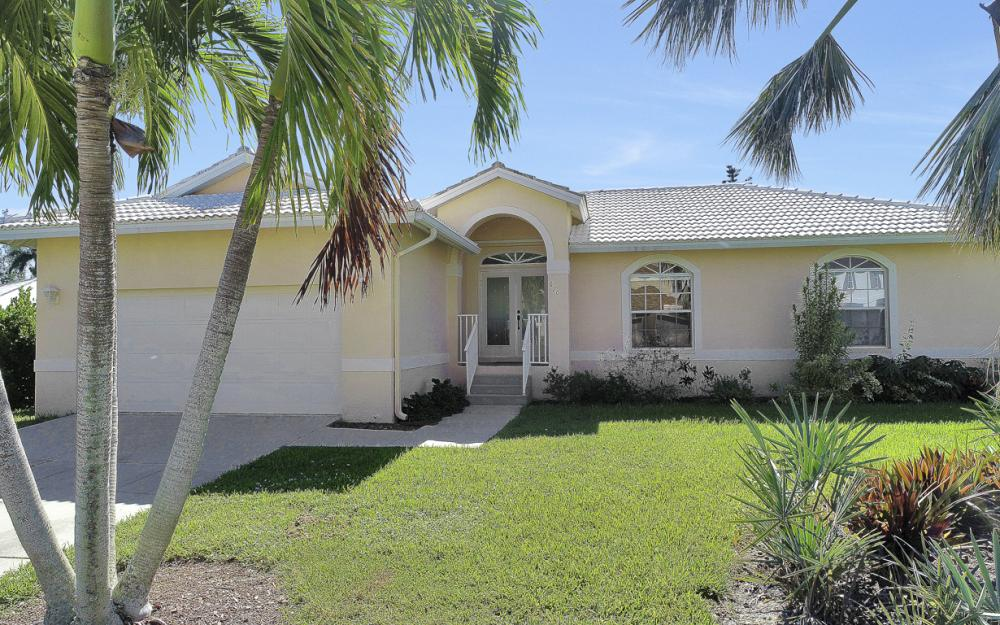 670 Hernando Dr, Marco Island - Vacation Rental 1302931397
