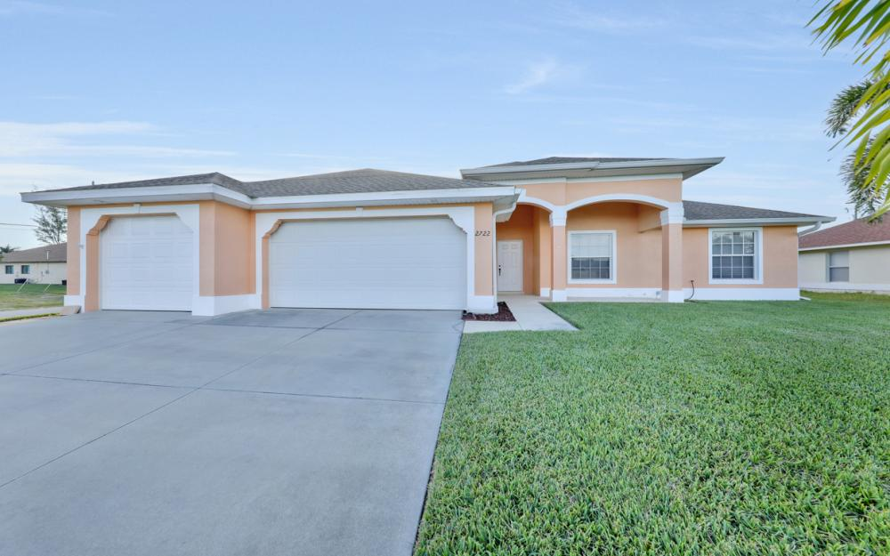 2722 SW 9th Ave, Cape Coral - Home For Sale 1883390974