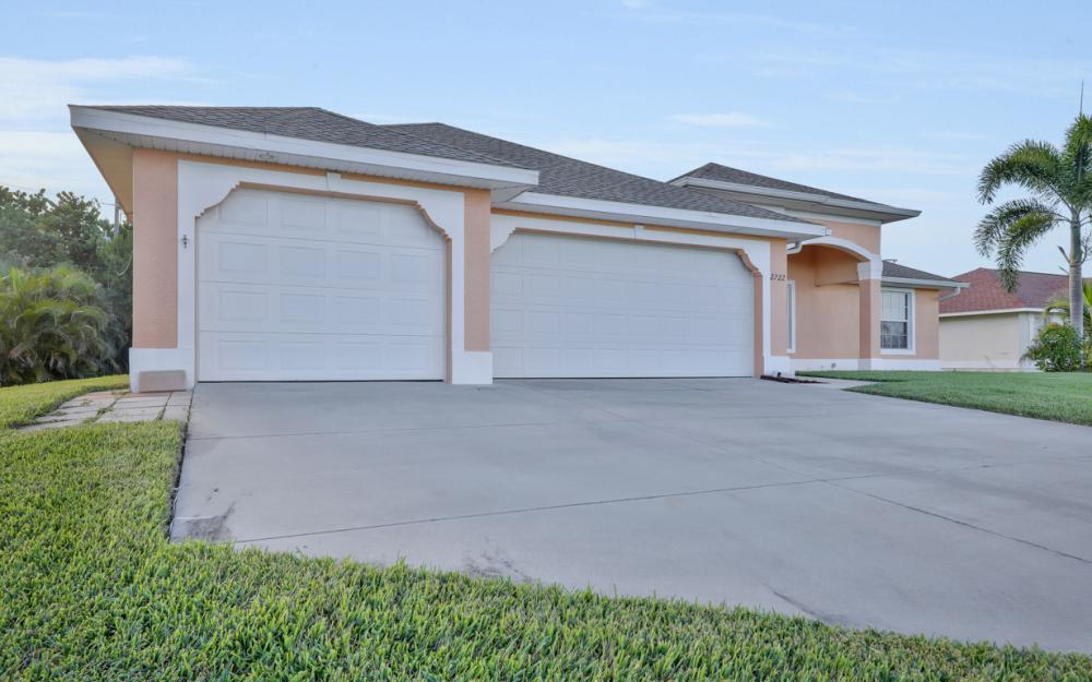 2722 SW 9th Ave, Cape Coral - Home For Sale 136975691