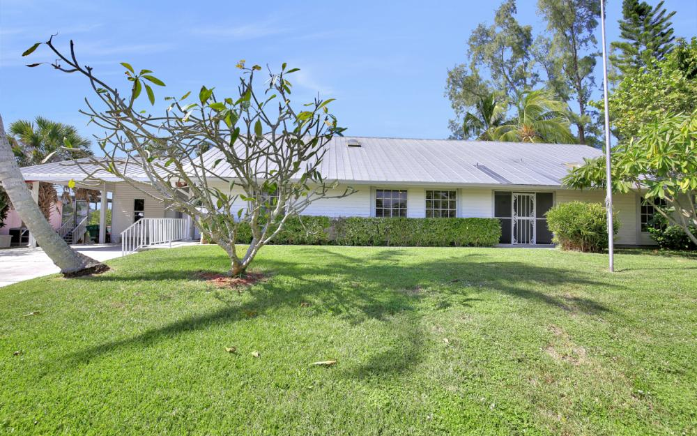 2958 Cypress St, Naples - Home For Sale 2044959543