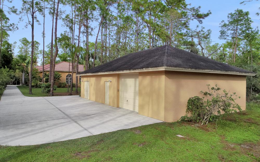 4930 Mahogany Ridge Dr, Naples - Home For Sale 885265430
