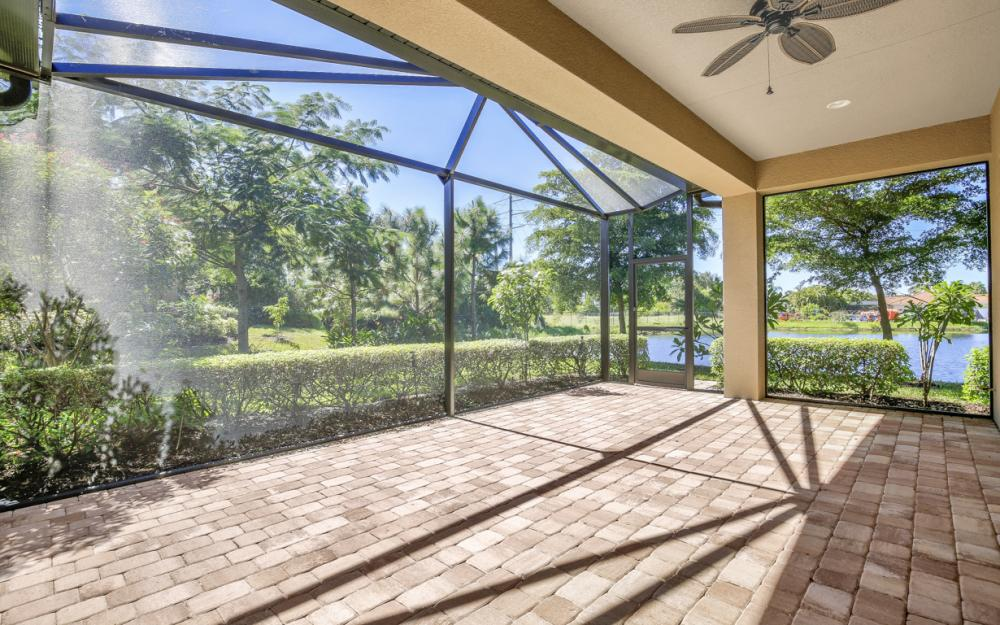 9872 Alhambra Ln, Bonita Springs - Home For Sale 2024163862