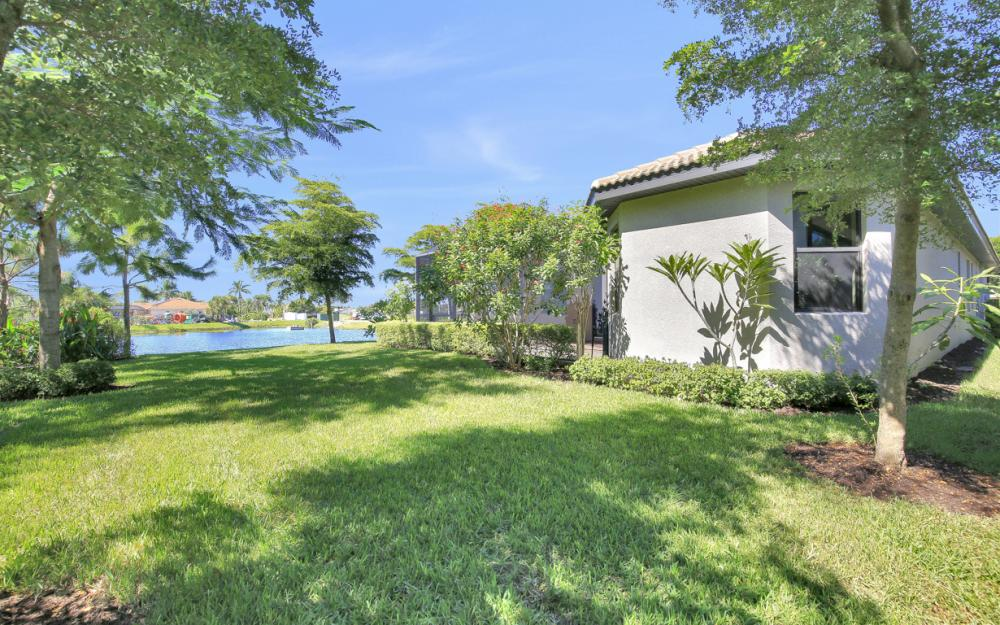 9872 Alhambra Ln, Bonita Springs - Home For Sale 2042303937