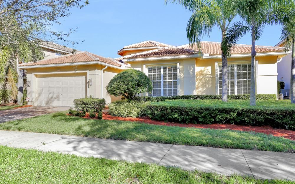 2205 Canary Island Cove, Naples - Home For Sale 765313475
