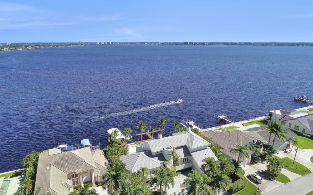 5813 SW 1st Ave, Cape Coral - Home For Sale 1031990773