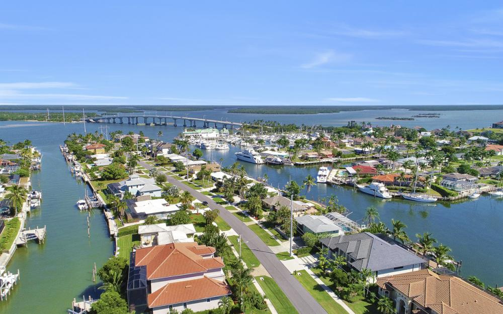 1237 Martinique Ct, Marco Island - Home For Sale 976036393
