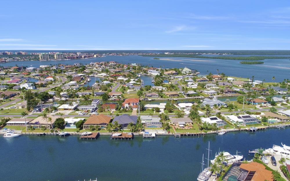 1237 Martinique Ct, Marco Island - Home For Sale 75886353