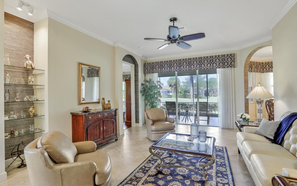 6151 Ashwood Ln, Naples - Home For Sale 1218503943